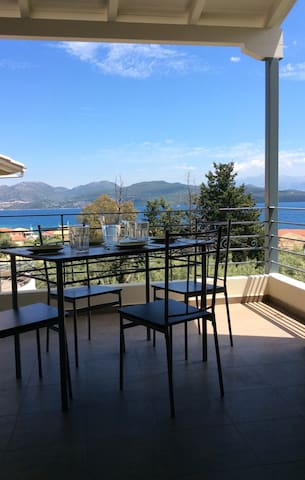 Two bedroom apartment with magnificent sea view - Nikiana - Apartment