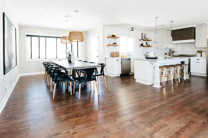 Large dining to seat 10 plus barstools