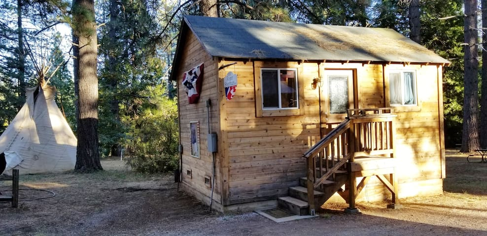 Camping Cabin A, Living Springs RV & Cabins Resort