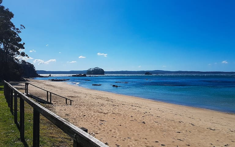 100metre walk via private footpath to Beautiful Caseys Beach Batehaven