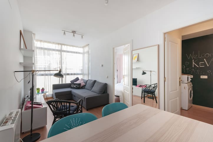 Chic and Cozy flat, Free Wifi, Near Metro - Madrid - Leilighet