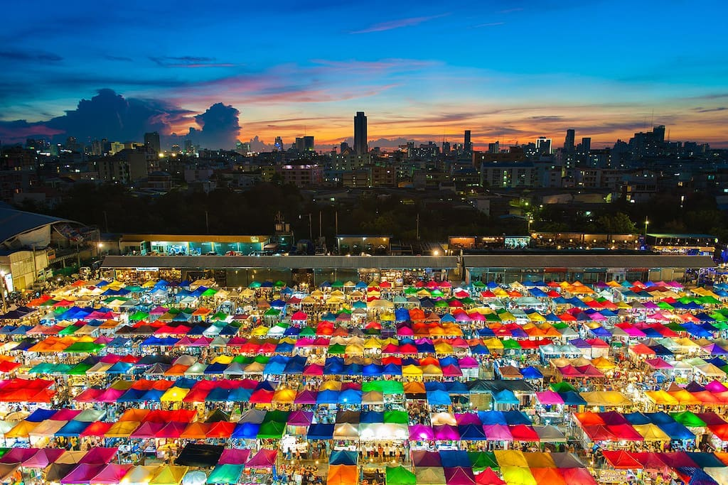 Night Train Market Rachada! Just a 10 minute walk from our door! MUST see!