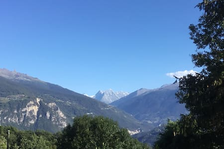 Grimisuat, vue sur les Alpes, proche des stations