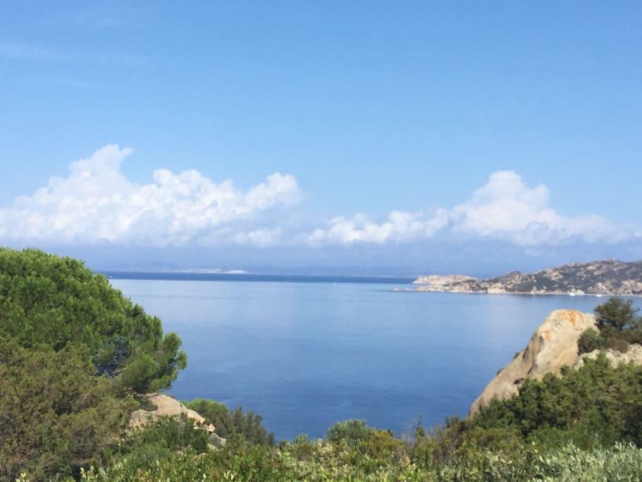 La vista sull isola di Spargi. / the view overlooking at spargi island