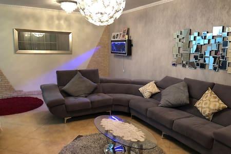 Ramat Hasharon Central Apartment
