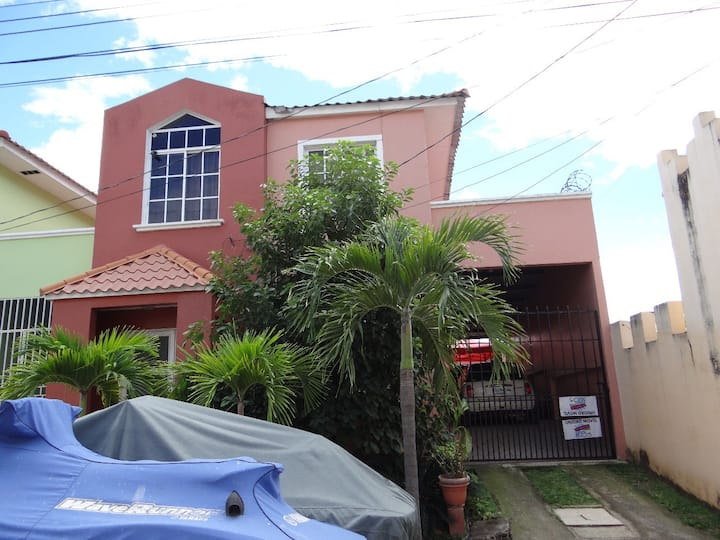 3 Bedroom & 2.5 baths house conveniently located