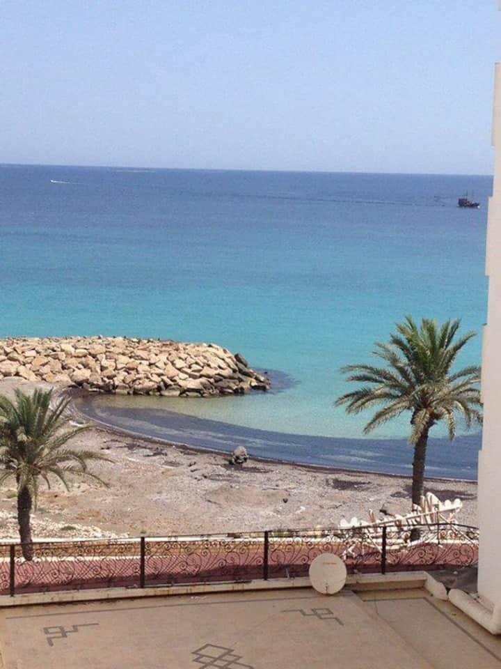 Récemment rénové  avec une magnifique vue sur mer!