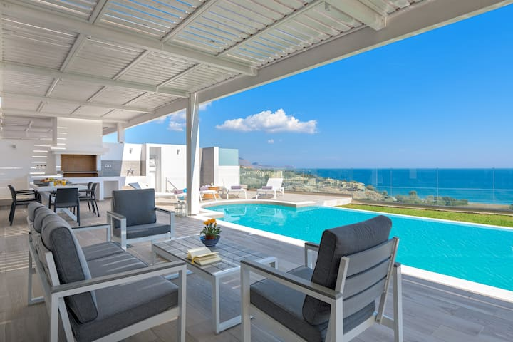 Luxury Sunrise Villa Nissos with Private Pool