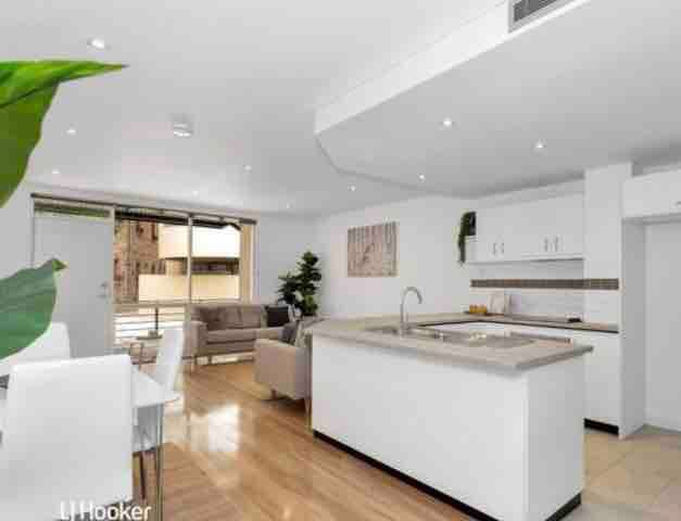 Large modern townhouse in a perfect location.