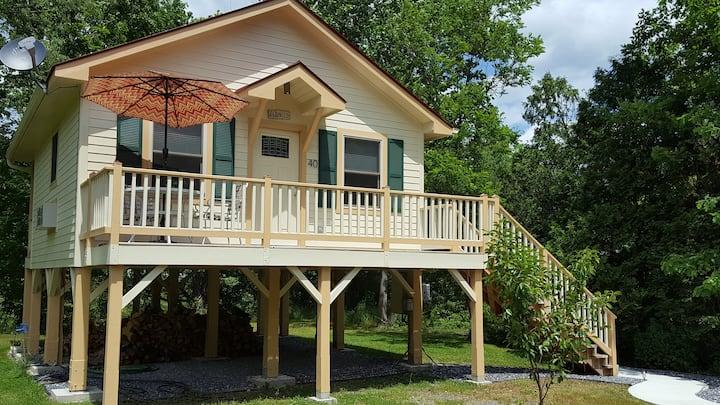 Serenity Cabin - Hummingbird Inn
