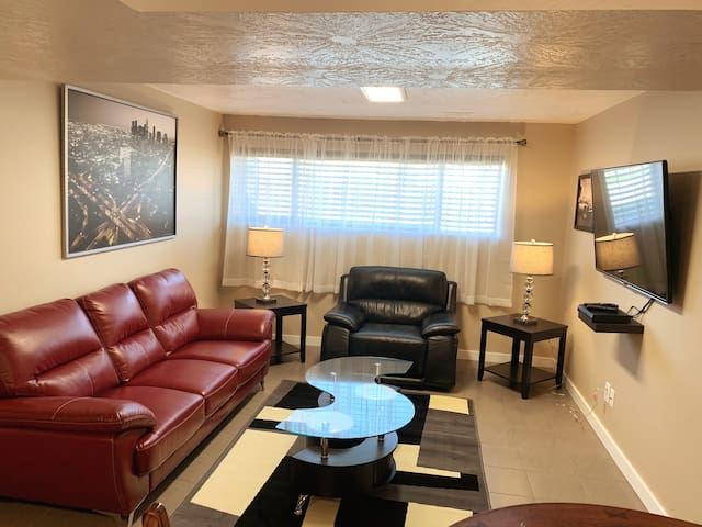 Beautifully furnished spacious 3 bedroom 2 bath