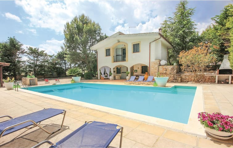 Holiday cottage with 3 bedrooms on 105m² in Martina Franca TA