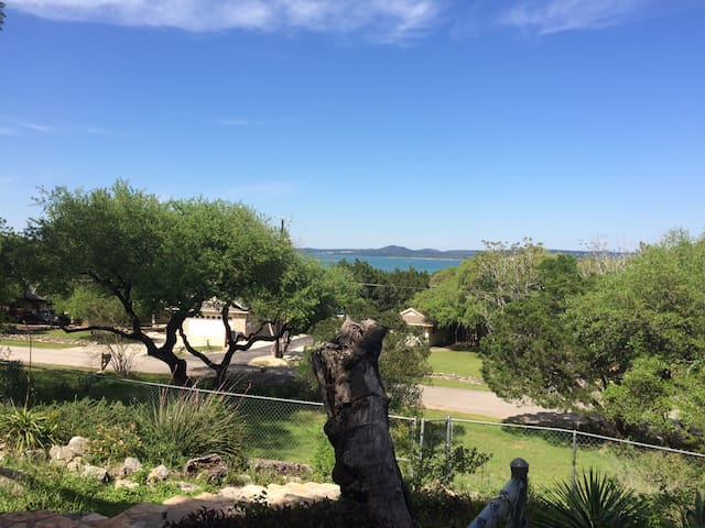 Peaceful Lake House - Canyon Lake - House