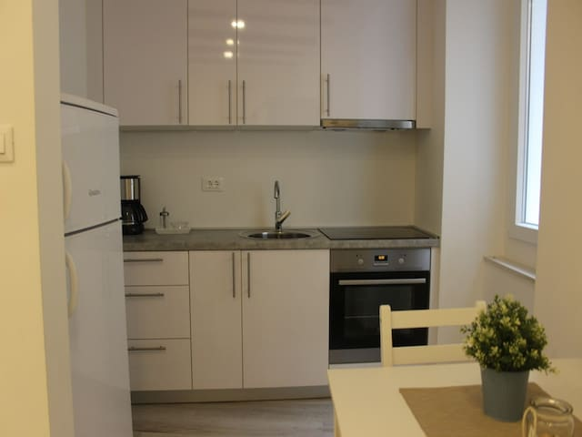 Apartments Blue Lavender / Charming Studio Apartment in the Cres Old Town