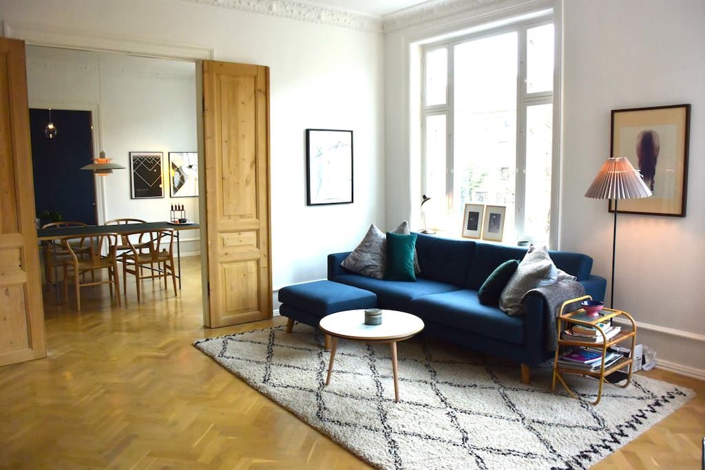 Feel at home and relax in the living room after exploring central Copenhagen