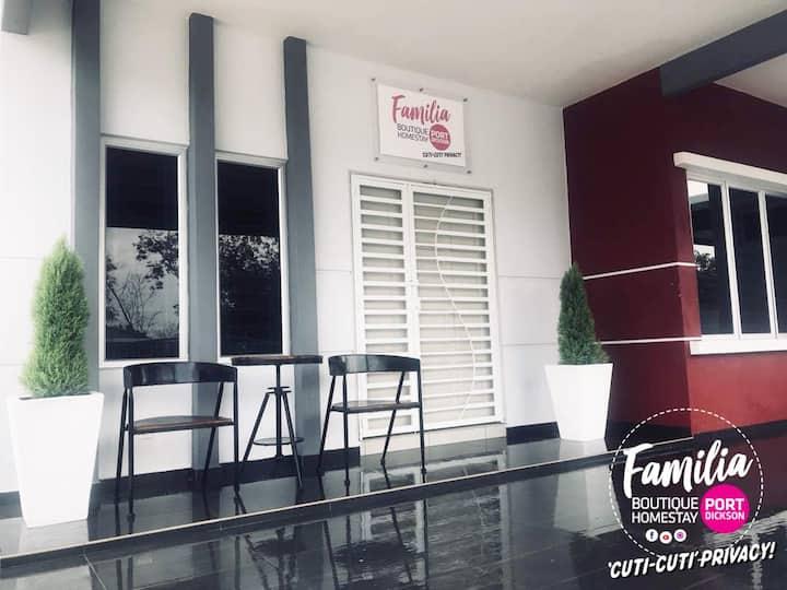 Cuti-Cuti Privacy! Familia Port Dickson Homestay