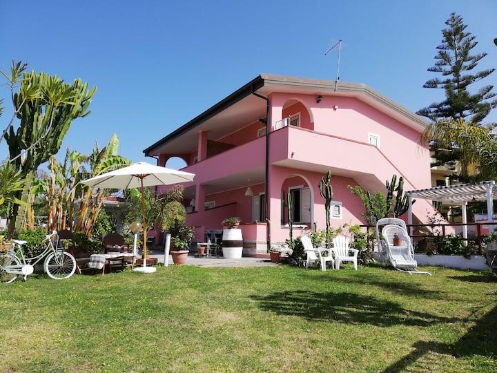 "Casa vacanza Briatico-Tropea""La Gramigna Villette"""