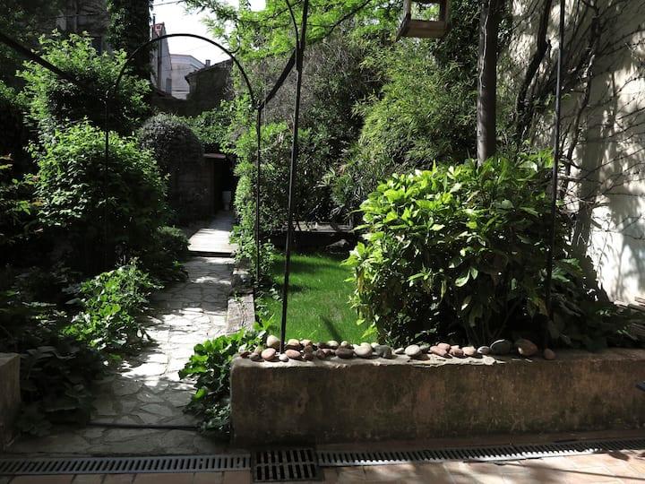 Avignon-Jardin enchanteur en ville-Fraîcheur! :O)