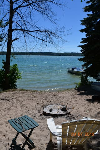 Cozy Cottage on beautiful Lake Leelanau - Lake Leelanau - Σπίτι