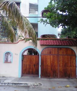 BONITO DEPTO. EN ZONA CENTRICA. - Cancún - Huoneisto
