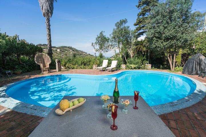 Sicilian Villa Cycas Junior Suite