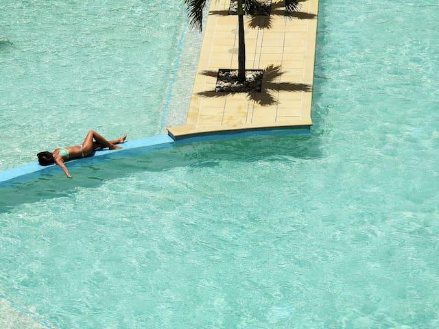 Cairns Esplanade locationTrilogy Resort +FreeWifi.