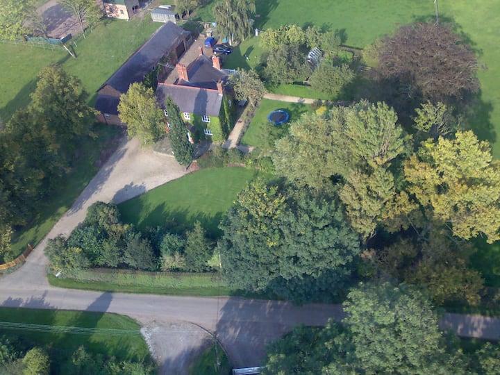 'The Jockey Room' hideaway. Set in quiet farmyard