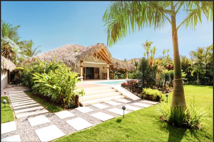Exquisite Villa, Pvt beach, Pool,Rapid test near