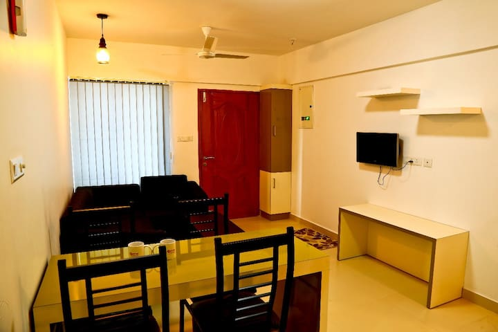 Professional serviced apartment near infopark
