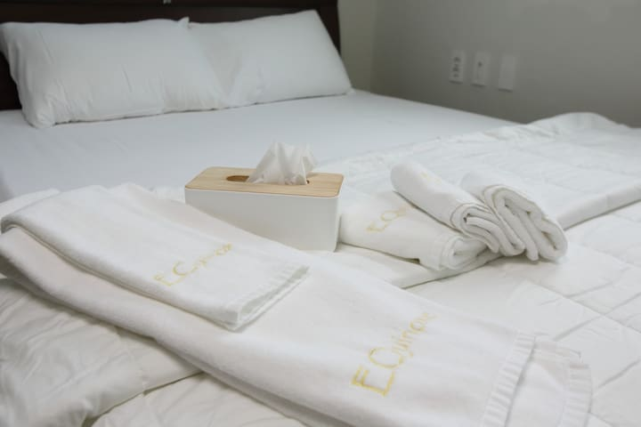 Premium quality white and clean linen and towels