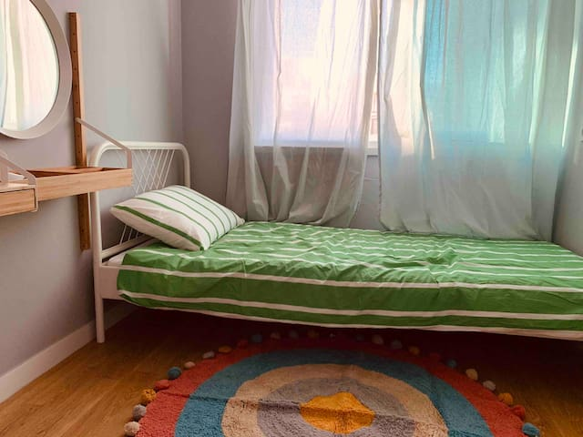 Clam & Mood house- Gangnam 410 B-bed (only woman)