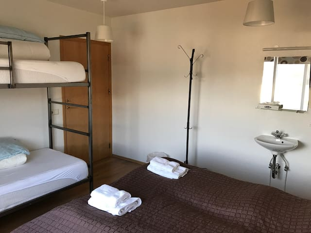 Room with shared facilites 4 person