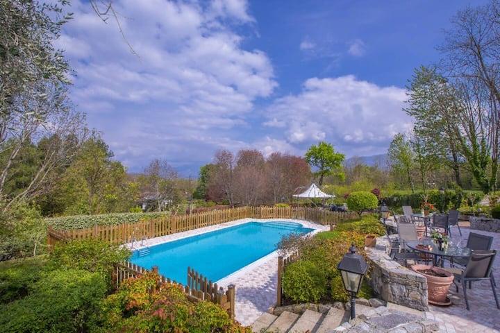 Villa Collina: Stunning 5 bedroom villa with pool