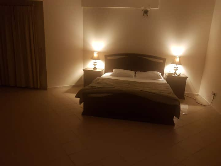 Room In Bahrain, Juffair