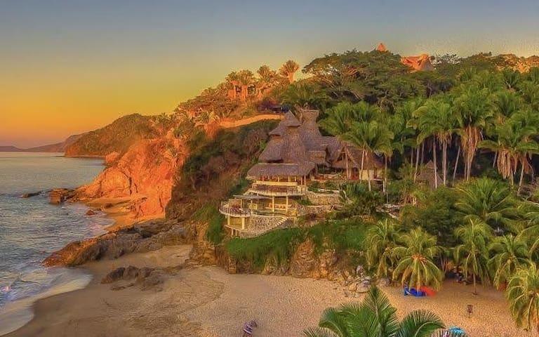 Private Beachfront Villa with Chef/Staff