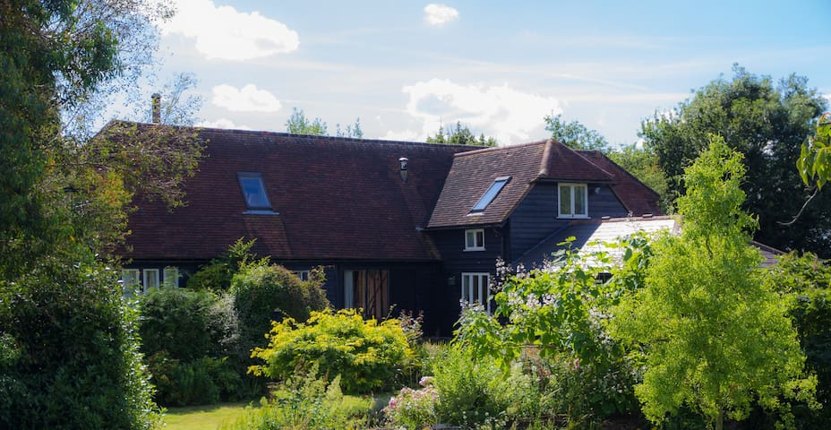 Double room in a converted barn with private bath - White Colne - Rumah
