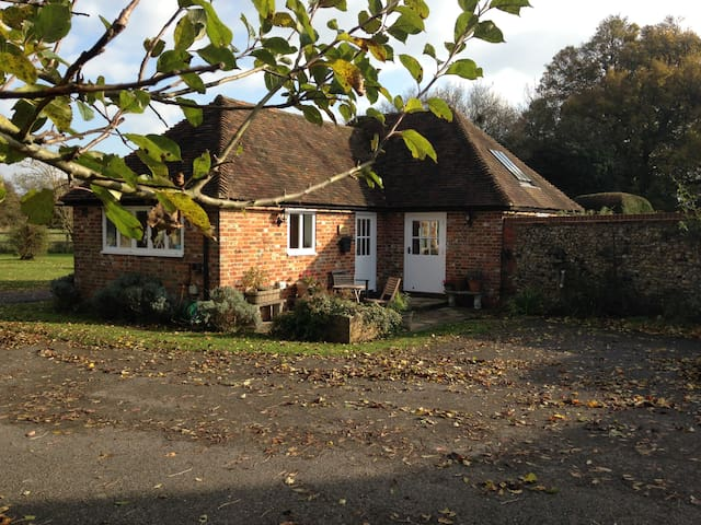 Just available, idyllic retreat - Hastingleigh - Casa