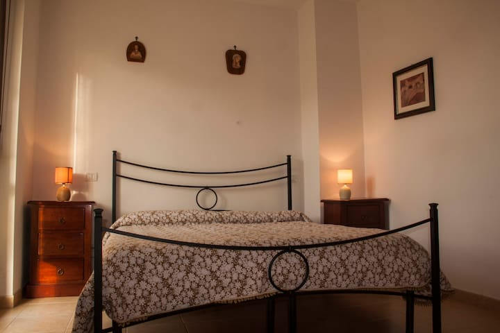 Cozy and well served apartment at 12 km from Siena
