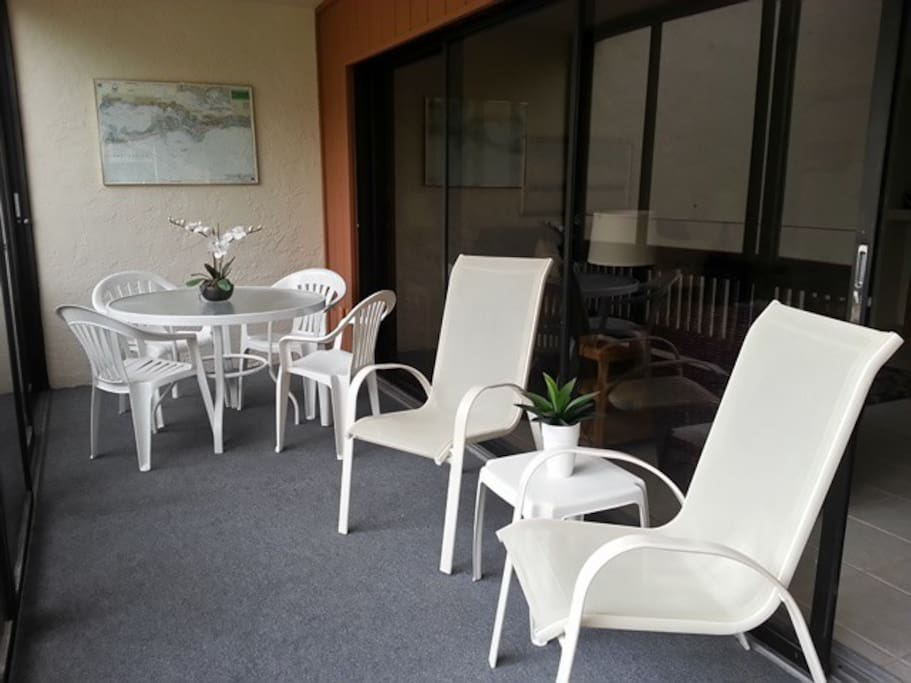 Relax in the screened lanai, overlooking the inter coastal.
