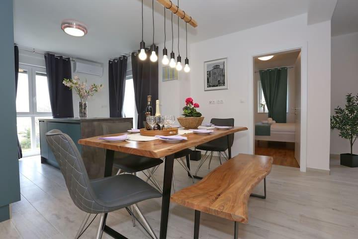 Apartment Rocky lll
