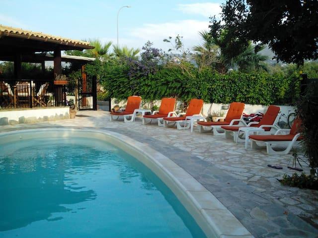 Villa al mare, con piscina privata