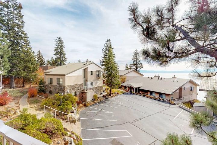 Cozy condo w/ balcony & lake views-near biking & hiking trails, beach & skiing
