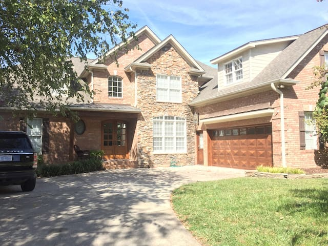 beautiful home in upscale quiet neighborhood houses for  1 bedroom homes for rent in greensboro nc