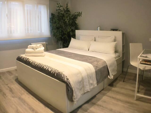 Habitación 5 estrellas con baño en zona A1 Madrid