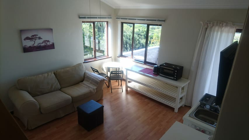 Sea views, Whale watching, self-catering