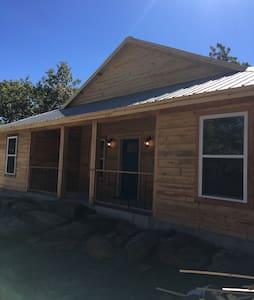 Cozy cabin at Lake Eufaula!! - Long town