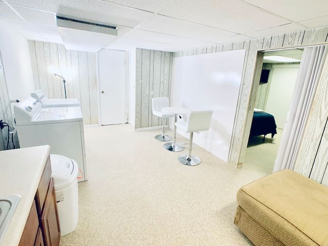 Private Apt Near NYC/EWR airport/Best Outlet Mall