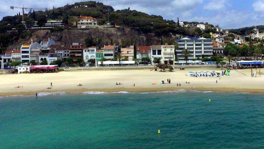 Apartamento primera linea playa NA - Caldes d'Estrac - Flat