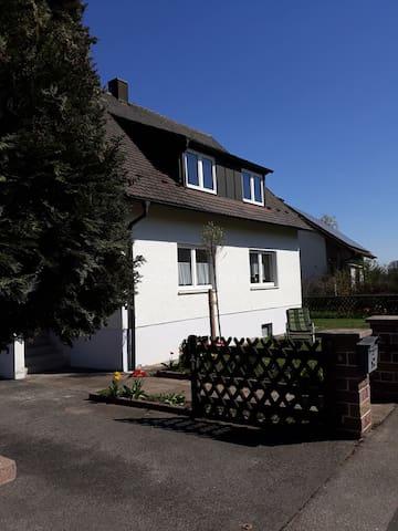 Ferienwohnung Vilsblick (Poppenricht), Ferienwohnung mit eigenem Garten ca. 300qm