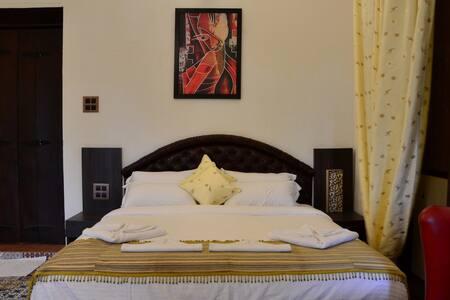 Premium 2 Bedroom Suite in a Heritage Home, Parra - Mapusa - Boutique-hotelli
